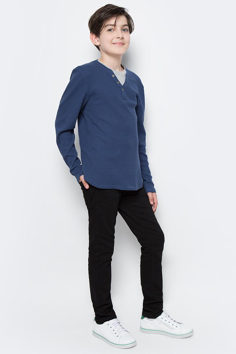 Джемпер для мальчика Tom Tailor, цвет: синий. 1037881.00.30_6758. Размер 1401037881.00.30_6758Джемпер Tom Tailor выполнен из натурального хлопка. Модель с длинными рукавами и круглым вырезом горловины дополнена эффектом 2-в-1: джемпер с декоративной застежкой на пуговицы и футболка.