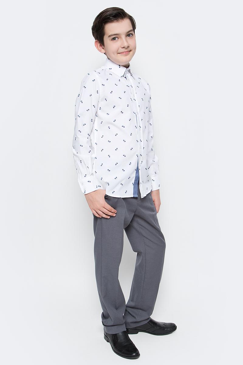 Рубашка для мальчика Gulliver, цвет: белый. 217GSBC2318. Размер 128217GSBC2318При всем богатстве выбора, купить рубашку для мальчика высокого качества не очень просто. Школьная рубашка должна отлично выглядеть, хорошо сидеть, соответствовать актуальной форме, быть всегда свежей, выглаженной и опрятной. Именно поэтому состав, плотность и текстура материала имеет большое значение! Рубашка с мелким рисунком - тренд сезона! Она не нарушает школьный дресс-код, но делает повседневный Look ярче и интереснее, создавая позитивное настроение. Хорошая школьная рубашка сделает каждый день ребенка комфортным.