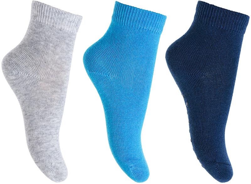 Носки для мальчика PlayToday, цвет: синий, серый, голубой, 3 пары. 377045. Размер 12377045Носки PlayToday очень мягкие, выполненные, из натуральных материалов, приятные к телу и не сковывают движений. Хорошо пропускают воздух, тем самым позволяя коже дышать. Даже частые стирки, при условии соблюдений рекомендаций по уходу, не изменят ни форму, ни цвет изделия. Мягкая резинка не сдавливает нежную детскую кожу.В комплекте 3 пары носков.