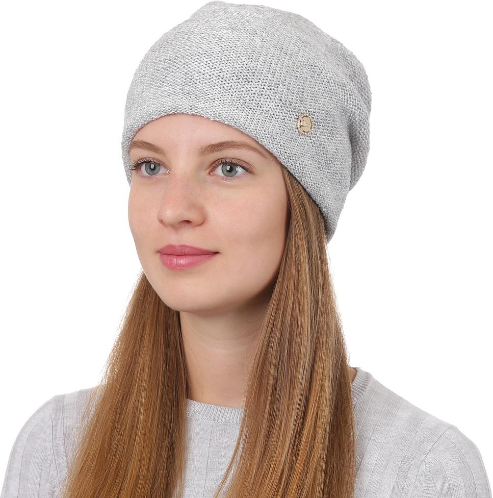 Шапка женская Fabretti, цвет: светло-серый. F2017-6-22. Размер универсальныйF2017-6-22Универсальная женская шапка от Fabretti выполнена из высококачественных материалов и дополнена декоративным, металлическим элементом. Простой аккуратный дизайн поможет вам дополнить любой современный образ, а также создать неповторимый модный и элегантный стиль. Такой аксессуар можно сочетать с любым нарядом.