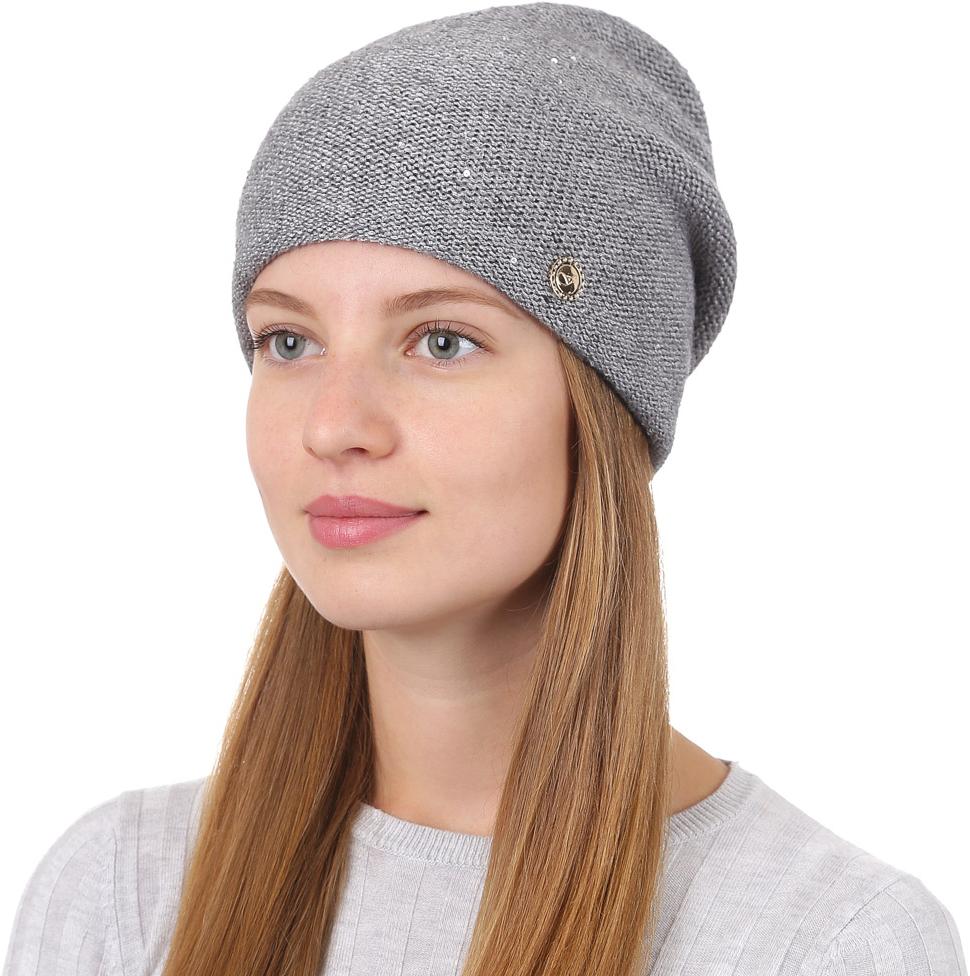 Шапка женская Fabretti, цвет: серый. F2017-6-33. Размер универсальныйF2017-6-33Универсальная женская шапка от Fabretti выполнена из высококачественных материалов и дополнена декоративным, металлическим элементом. Простой аккуратный дизайн поможет вам дополнить любой современный образ, а также создать неповторимый модный и элегантный стиль. Такой аксессуар можно сочетать с любым нарядом.