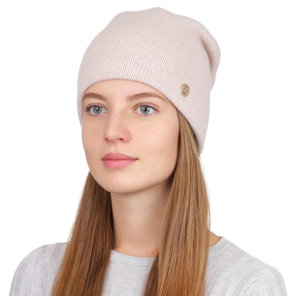 Шапка женская Fabretti, цвет: бежевый. F2017-27-61. Размер универсальныйF2017-27-61Стильная женская шапка Fabretti отлично дополнит ваш образ и защитит от холода. Смесовая пряжа с шерстью в составе максимально сохраняет тепло и обеспечивает удобную посадку. Классическая вязаная шапка оформлена металлическим декоративным элементом. Такая шапка станет отличным дополнением к вашему осеннему или зимнему гардеробу, в ней вам будет уютно и тепло!