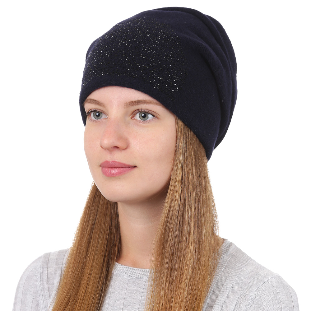 Шапка женская Fabretti, цвет: темно-синий. F2017-29-98. Размер универсальныйF2017-29-98Стильная женская шапка Fabretti отлично дополнит ваш образ и защитит от холода. Смесовая пряжа с шерстью в составе максимально сохраняет тепло и обеспечивает удобную посадку. Шапка оформлена декоративной аппликацией. Такая шапка станет отличным дополнением к вашему осеннему или зимнему гардеробу, в ней вам будет уютно и тепло!