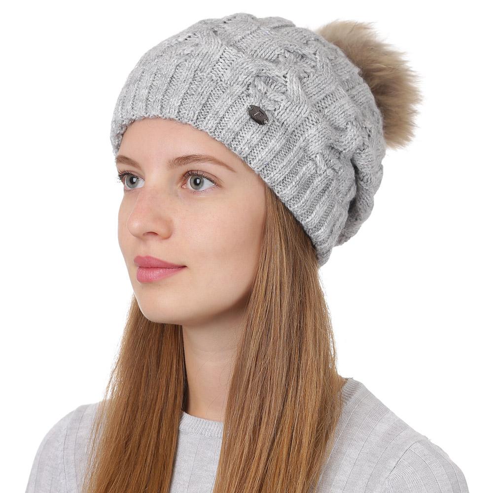 Шапка женская Fabretti, цвет: светло-серый. F2017-37-22. Размер универсальныйF2017-37-22Стильная женская шапка Fabretti отлично дополнит ваш образ и защитит от холода. Смесовая пряжа с шерстью в составе максимально сохраняет тепло и обеспечивает удобную посадку. Классическая вязаная шапка оформлена меховым помпоном и металлическим декоративным элементом. Такая шапка станет отличным дополнением к вашему осеннему или зимнему гардеробу, в ней вам будет уютно и тепло!