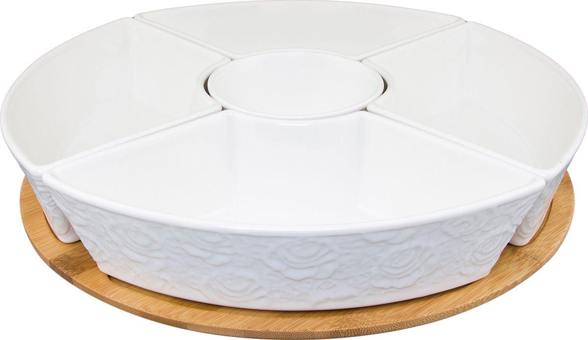 Менажница Elan Gallery Белые розы, на деревянной крутящейся подставке, пять секций. 860026860026Оригинальная менажница на деревянной подставке украсит современный интерьер и станет отличным подарком для любителей стильных вещей. Размер 32х32х7,5 см. Объем круглой емксоти 250 мл., объем п/круглой емкости 520 мл.
