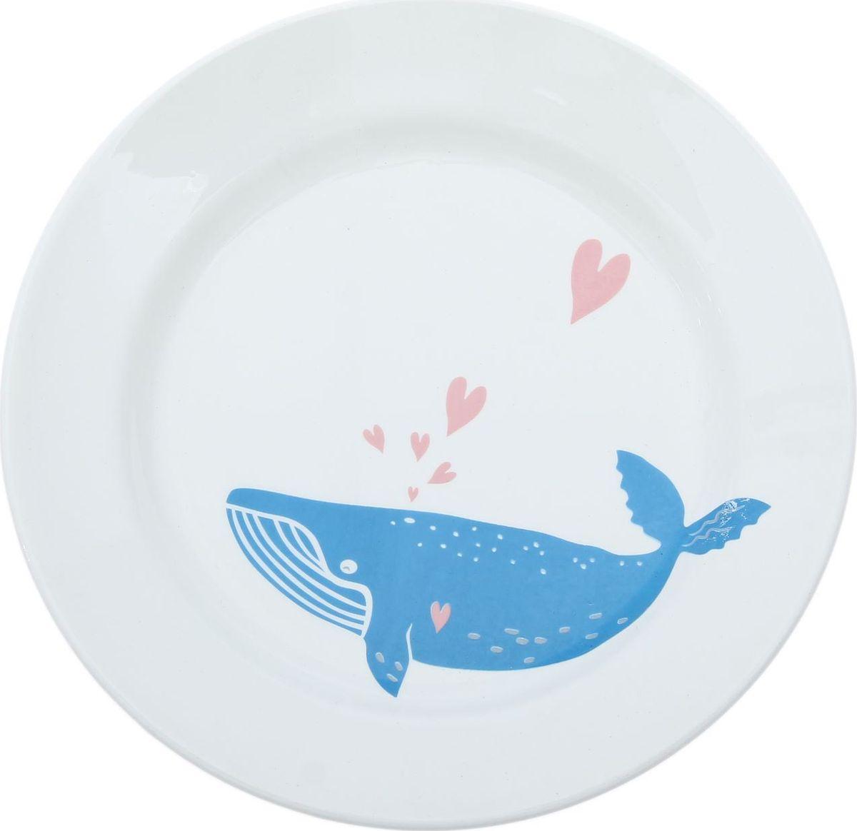Тарелка Сотвори Чудо Просто кит, диаметр 20 см2512679Хотите обновить интерьер кухни или гостиной? Устраиваете необычную фотосессию или тематический праздник? А может, просто ищете подарок для близкого человека?Посуда « Сотвори Чудо» — правильный выбор в любой ситуации. Её достоинства:изящный фаянс нежного сливочного цвета;стойкость краски;пригодность для посудомоечных машин.