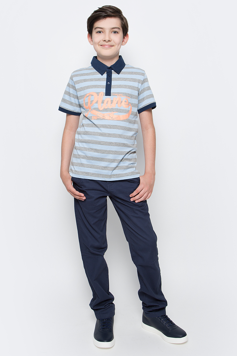 Поло для мальчика Sela, цвет: небесно-голубой. Tsp-811/1061-7112. Размер 122, 7 летTsp-811/1061-7112Стильная футболка-поло для мальчика Sela выполнена из натурального хлопка и оформлена принтом в полоску и надписью. Модель прямого кроя с короткими рукавами и отложным воротничком застегивается на пуговицы до середины груди. Манжеты рукавов и воротничок выполнены из материала контрастного цвета.