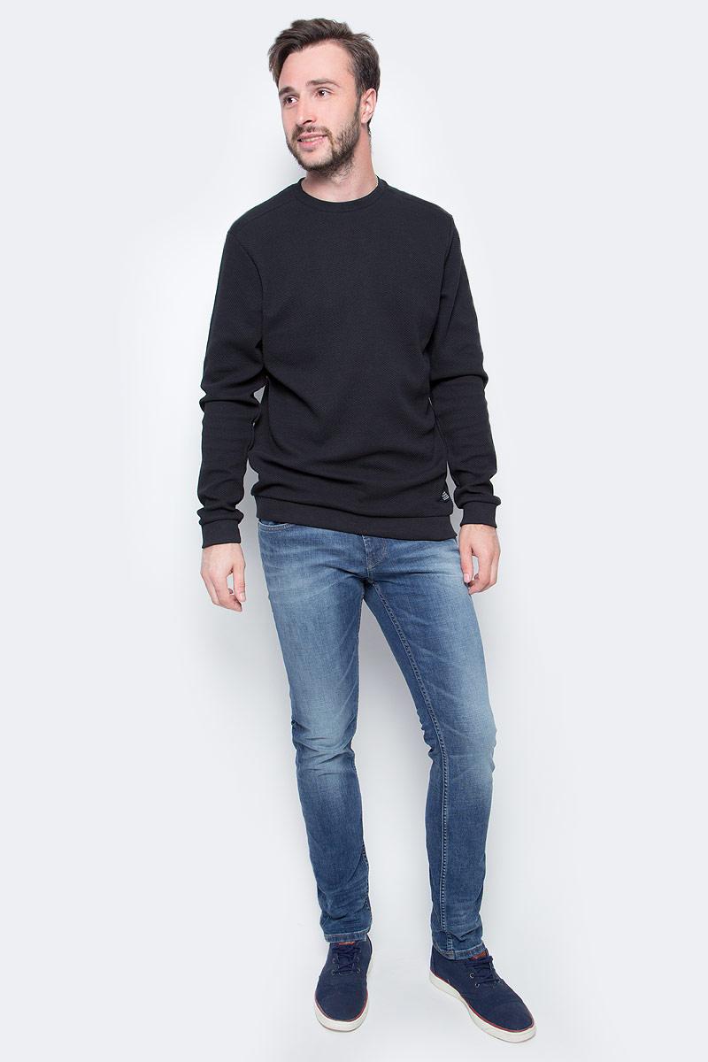 Джинсы мужские Tom Tailor Aedan, цвет: голубой. 6204972.09.12_1052. Размер 34-36 (50-36)6204972.09.12_1052Мужские джинсы Tom Tailor с эффектом потертости ткани. Модель прямого кроя и низкой посадки в поясе застегивается на пуговицу, имеются ширинка на молнии и шлевки для ремня. Джинсы имеют классический пятикарманный крой, задние карманы оформлены декоративной отстрочкой.
