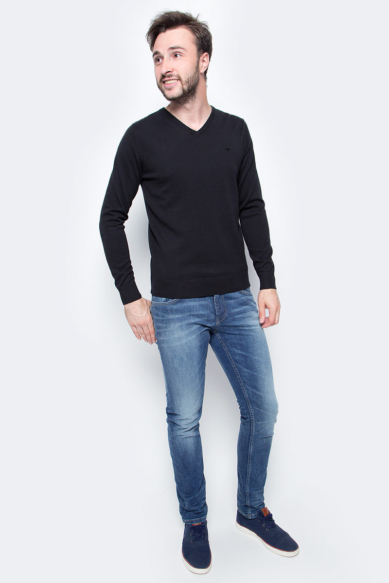 Пуловер мужской Tom Tailor, цвет: черный. 3022881.09.10. Размер S (46)3022881.09.10Мужской пуловер Tom Tailor выполнен из натурального хлопка. Модель с длинными рукавами и V-образным вырезом горловины.