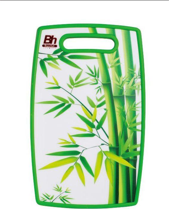 Доска разделочная Bayerhoff, 23 х 37 см. BH-5110BH-5110Доска разделочная Bayerhoff выполнена из качественного пищевого пластика. Прочная структура пластика устойчива к механическим повреждениям, высоким температурам и износу. Доска легко моется, не впитывает запахи и влагу, не растрескивается. Изделие снабжено удобной ручкой. Прекрасно подходит для нарезки любых продуктов. Такая доска понравится любой хозяйке и будет отличным помощником на кухне.