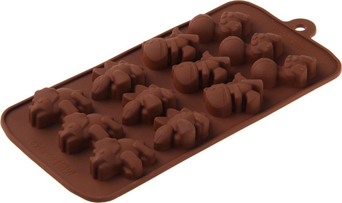 Форма для льда и шоколада Доляна Дино, 12 ячеек, 21 х 11 х 2 см1057114Фигурная форма для льда и шоколада Доляна Дино выполнена из пищевого силикона, который не впитывает запахов, отличается прочностью и долговечностью. Материал полностью безопасен для продуктов питания. Кроме того, силикон выдерживает температуру от -40°С до +250°С. Благодаря гибкости материала готовый продукт легко вынимается. С помощью такой формы можно приготовить оригинальные конфеты и фигурный лед. Приготовить миниатюрные украшения гораздо проще, чем кажется. Наполните силиконовую емкость расплавленным шоколадом, мастикой или водой и поместите в морозильную камеру. Вскоре у вас будут оригинальные фигурки, которые сделают запоминающимся любой праздничный стол! Форма легко отмывается, в том числе в посудомоечной машине.