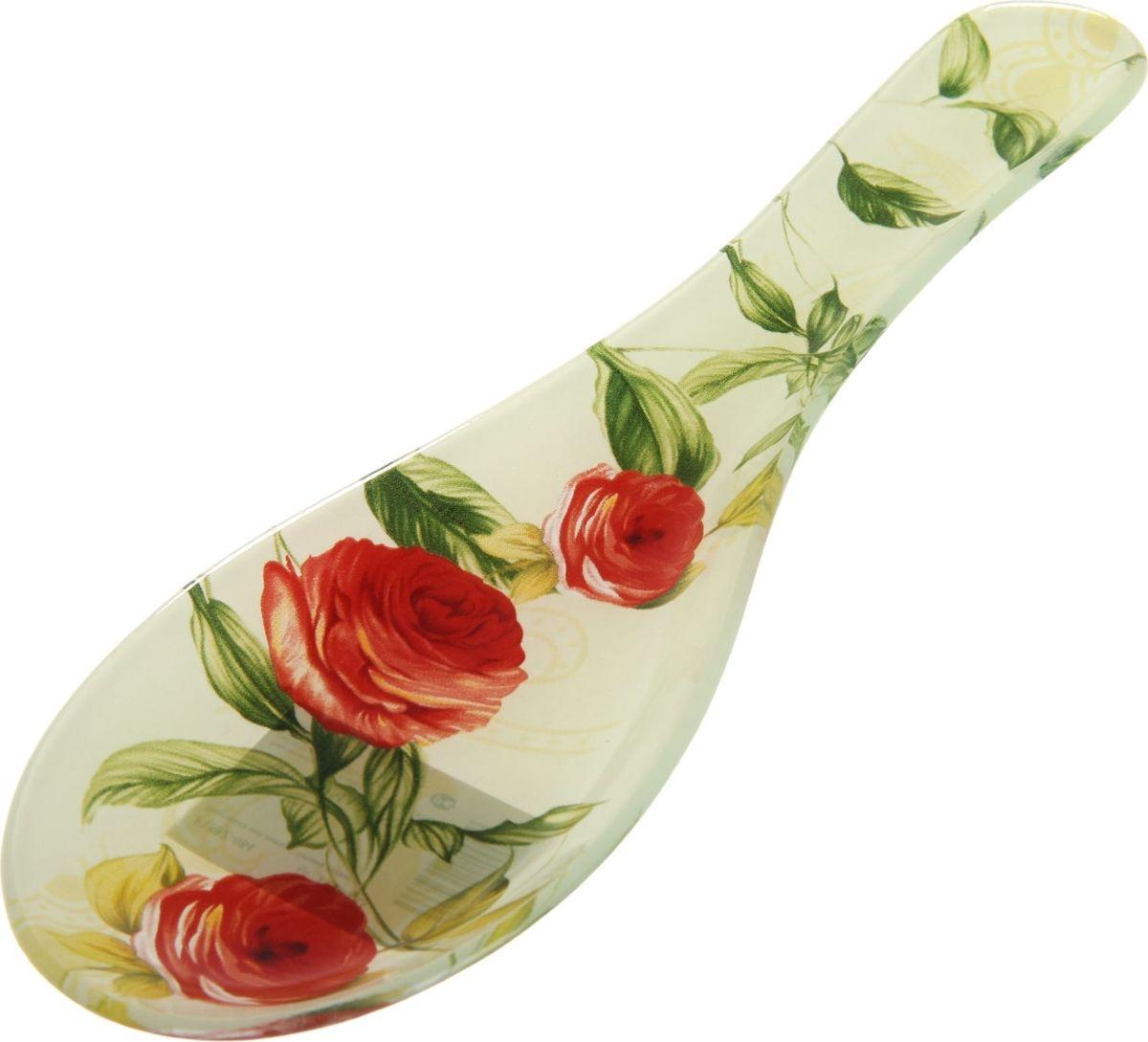 Подставка под ложку Доляна Чайная роза, 23 х 8 см1113433Подставка для ложки — необходимый инструмент на кухне рачительной хозяйки. Предмет защищает поверхность стола и скатерти от грязи и жира. Предмет не требует особых условий хранения и прослужит долгое время. Избегайте ударов и падений.Готовьте быстро и с удовольствием!