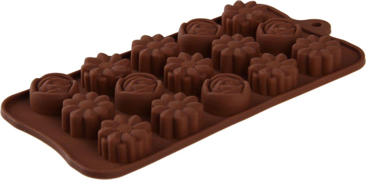 Форма для льда и шоколада Доляна Ассорти, 15 ячеек, 22 х 10,5 х 1,5 см1158540Силикон не теряет эластичности при отрицательных температурах (до - 40?С), поэтому, готовые льдинки легко достаются из формы и не крошатся. Лед получается идеальной формы. С силиконовыми формами для льда легко фантазировать и придумывать новые рецепты. В формах можно заморозить сок или приготовить мини порции мороженого, желе, шоколада или другого десерта. Особенно эффектно выглядят льдинки с замороженными внутри ягодами или дольками фруктов. Заморозив настой из трав, можно использовать его в косметологических целях.