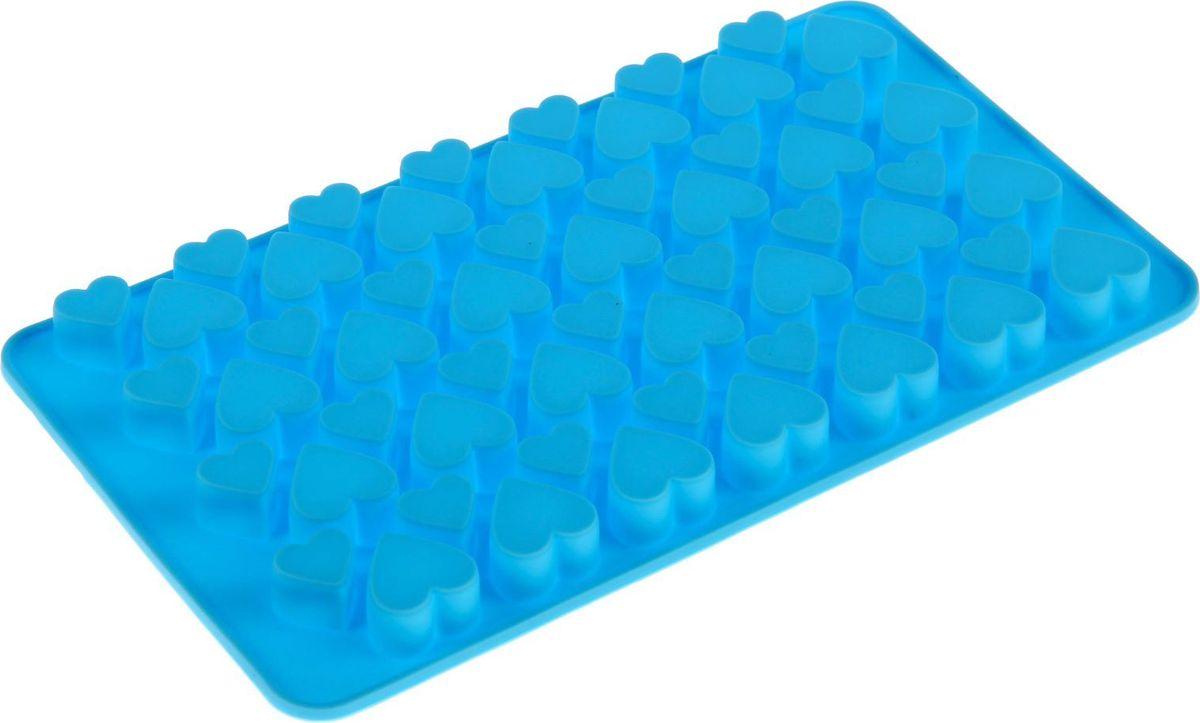 Форма для мармелада Доляна Сердечки, 56 ячеек, 19,5 х 11,5 х 1,5 см1403928Силикон не теряет эластичности при отрицательных температурах (до - 40?С), поэтому, готовые льдинки легко достаются из формы и не крошатся. Лед получается идеальной формы. С силиконовыми формами для льда легко фантазировать и придумывать новые рецепты. В формах можно заморозить сок или приготовить мини порции мороженого, желе, шоколада или другого десерта. Особенно эффектно выглядят льдинки с замороженными внутри ягодами или дольками фруктов. Заморозив настой из трав, можно использовать его в косметологических целях.