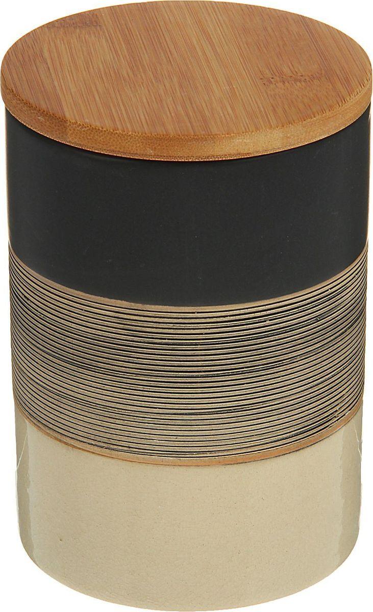 Банка для специй Доляна Капучино, 10 х 10 х 15 см1580197Банка для специй поможет сохранить приправы в наилучшем состоянии и украсит интерьер кухни. Приятные цвета и необычные узоры придутся по душе всем ценителям эстетики. Бамбуковая крышка защитит содержимое от повышенной влажности и попадания посторонних предметов.