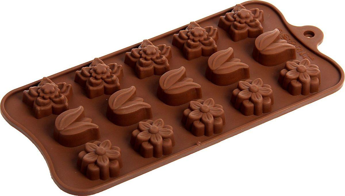 Форма для льда и шоколада Доляна Поляна, 15 ячеек, 20,5 х 10,5 х 1,5 см1687508Фигурная форма для льда и шоколада Доляна Поляна выполнена из пищевого силикона, который не впитывает запахов, отличается прочностью и долговечностью. Материал полностью безопасен для продуктов питания. Кроме того, силикон выдерживает температуру от -40°С до +250°С, что позволяет использовать форму в духовом шкафу и морозильной камере. Благодаря гибкости материала готовый продукт легко вынимается и не крошится.С помощью такой формы можно приготовить оригинальные конфеты и фигурный лед. Приготовить миниатюрные украшения гораздо проще, чем кажется. Наполните силиконовую емкость расплавленным шоколадом, мастикой или водой и поместите в морозильную камеру. Вскоре у вас будут оригинальные фигурки, которые сделают запоминающимся любой праздничный стол! В формах можно заморозить сок или приготовить мини-порции мороженого, желе, шоколада или другого десерта. Особенно эффектно выглядят льдинки с замороженными внутри ягодами или дольками фруктов. Заморозив настой из трав, можно использовать его в косметологических целях.Форма легко отмывается, в том числе в посудомоечной машине.