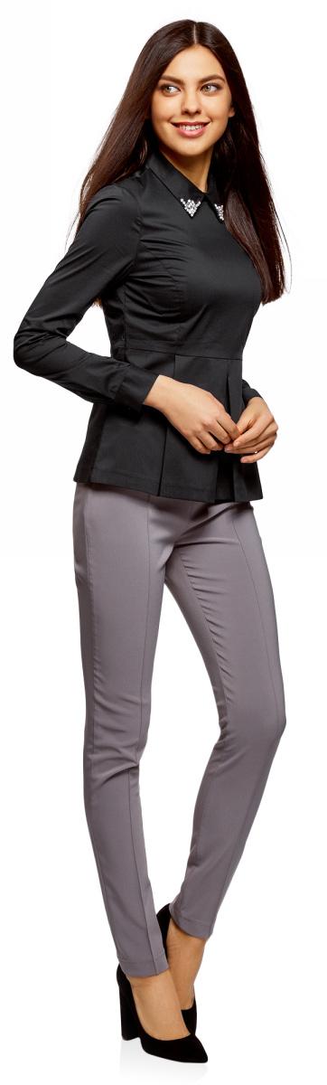 Блузка женская oodji Ultra, цвет: черный. 11400444-2/42083/2900N. Размер 44-170 (50-170)11400444-2/42083/2900NБлузка женская oodji Ultra выполнена из качественного материала. Модель с длинными рукавами и отложным воротником сзади застегивается на застежку-молнию.