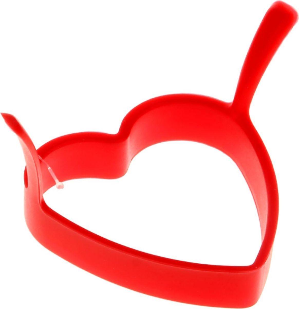 Форма для яичницы и блинов Доляна Сердечко, 8 х 8 см811912Вкусные блины, оладьи, омлеты и яичницы нравятся всем. Сделать хорошо знакомые блюда поводом для кулинарной гордости поможет специальная форма из силикона. Как ей пользоваться? налейте на сковороду масло и поставьте на средний огонь, расположите форму в центре и наполните её тестом или разбейте внутрь яйцо, обжаривайте до готовности. Силикон обладает важными достоинствами: выдерживает температуру от ?40 до +230 °C; не обжигает руки при готовке; легко отмывается, в том числе в посудомоечной машине; благодаря высокой гибкости и прочности служит долгое время.