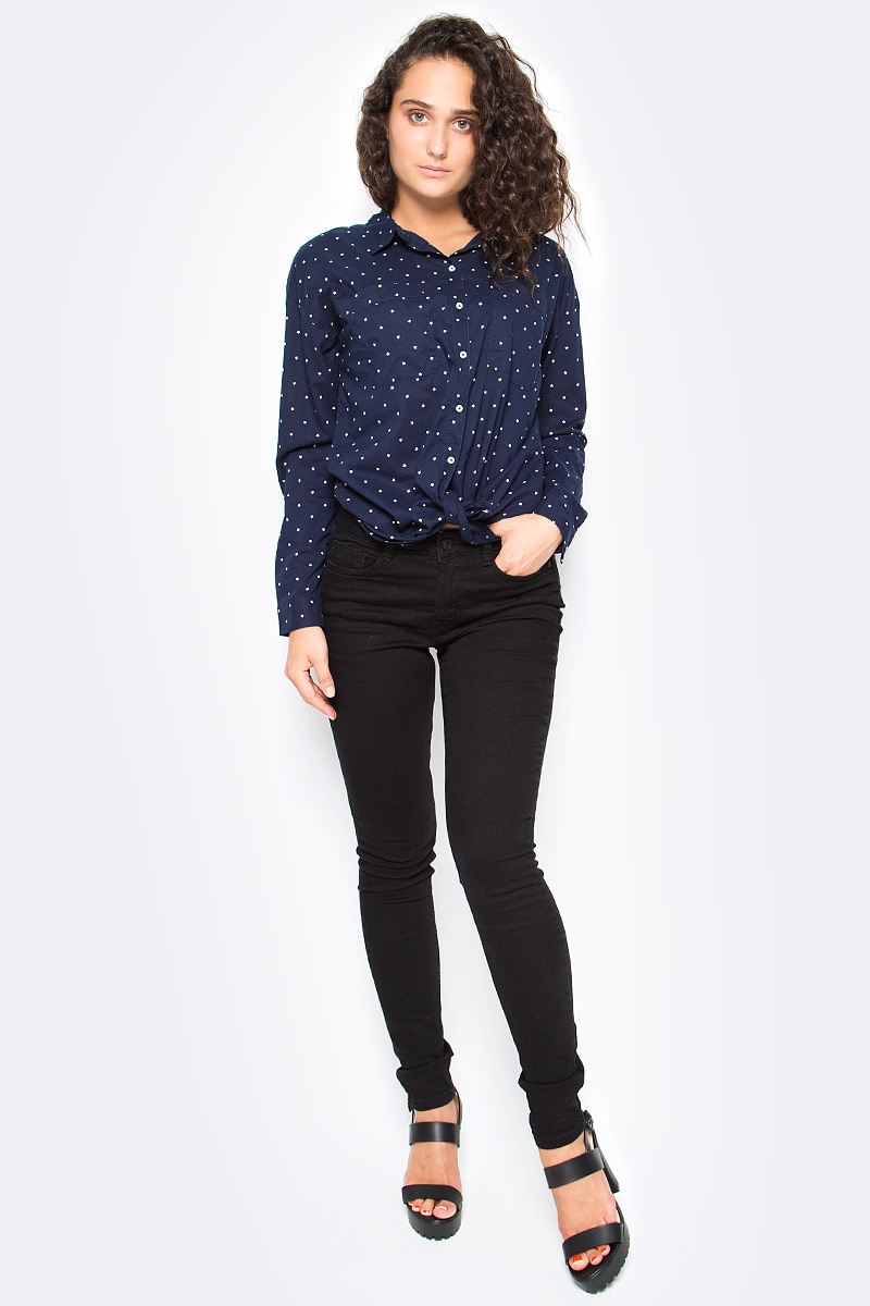 Рубашка женская Tom Tailor, цвет: синий. 2033605.00.71_6593. Размер M (46)2033605.00.71_6593Женская рубашка Tom Tailor выполнена из натурального хлопка. Модель с отложным воротником и длинными рукавами застегивается на пуговицы, на груди дополнена двумя накладными кармашками.