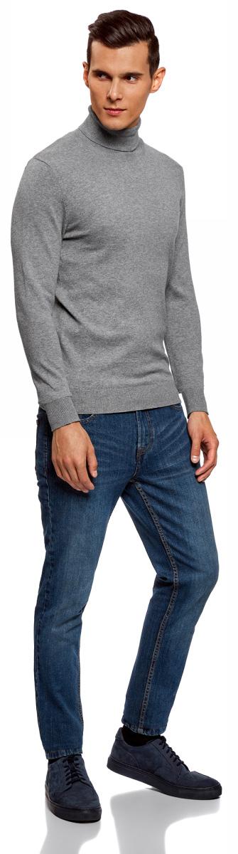 Свитер мужской oodji Basic, цвет: серый меланж. 4B312003M-1/34390N/2300M. Размер L (52;54)4B312003M-1/34390N/2300MХлопковый свитер от oodji прямого силуэта. Эластичный высокий ворот облегает шею. Отрезной рукав подчеркивает линию плеча. Низ и манжеты плотно прилегают к телу.Модель связана из мягкой натуральной пряжи. Она приятна для тела, комфортна в ношении, легко стирается и быстро сохнет. В таком свитере комфортно весь день. Он прекрасно подходит для любой фигуры.Свитер с воротником под горло великолепно дополнит гардероб в стиле Casual. Джинсы или брюки-чиносы составят с такой моделью идеальный комплект. Если в офисе не соблюдается строгий дресс-код, в таком свитере можно ходить и на работу. Надев его с классическими брюками и жилетом, вы легко создадите оригинальный образ креативного сотрудника. Оксфорды, челси или броги помогут завершить наряд. Для прогулок подойдут кроссовки, слипоны или полукеды. В этом удобном свитере вы произведете впечатление человека с хорошим вкусом в любой обстановке.