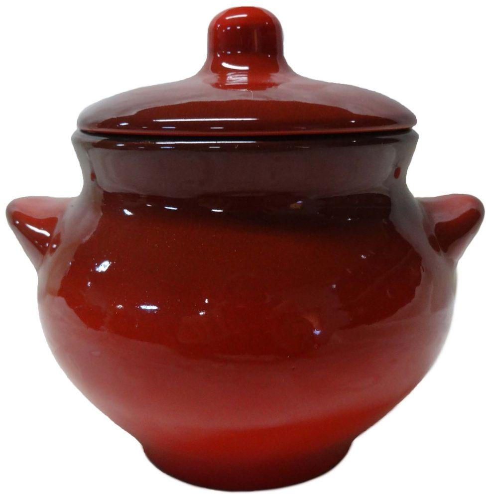 """Горшочек для запекания Борисовская керамика """"Красный"""" изготовлен из высококачественной керамики без содержания химических примесей и снабжен крышкой и ручками.  Керамическая посуда замечательна для приготовления пищи. Равномерный нагрев и долгое сохранение температуры позволяют придавать  особый аромат пище, сохранять витамины и другие ценные питательные вещества.  Горшочки для запекания используются для приготовления  жаркое, жульена, тушеных овощей, мяса и рыбы.  Объем: 550 мл."""