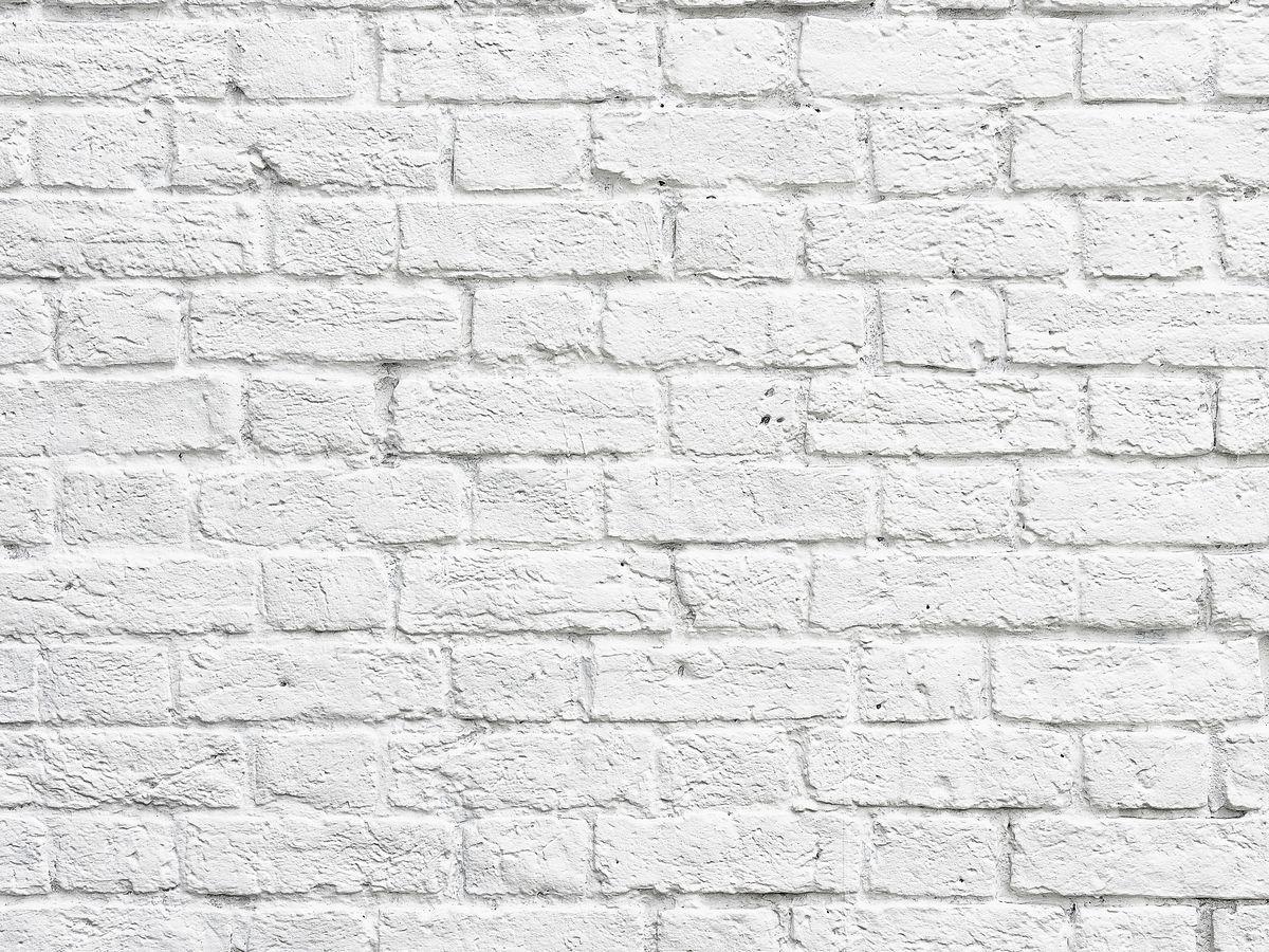 Фотофон безбликовый ART, профессиональный, 75 х 50 см. Ф2024Ф2024Моющиеся безбликовые профессиональные фотофоны ART чаще всего используются фотографами для постановочных съемок (в том числе при съемке детей, животных, различного вида блюд и разнообразных товаров для интеренет-магазинов). Помогают быстро сменить декорации, экономят время на поиски необходимых мест для съемок.Однако применение данных фотофонов не может ограничиваться только задействованием их в процессе съемки. Любой, кто занимается созданием декоративно-прикладных вещей различного рода может взять на заметку и найти применение данному продукту. Главное ваша фантазия и умелые руки.Его также можно использовать и в качестве защитного покрытия на письменный стол ученика. Его технические характеристики настолько впечатляют, что родители найдут в данном изделии хорошее сочетание цены и качества. Все фотофоны ART изготовлены по запатентованной технологии, которая обеспечивает: - отсутствие бликов - независимо от типа света; - гипоаллергенность - состав изделия не вызывает аллергических реакций; - износоустойчивость - жир не впитывается в структуру изделия, легко смывается любым моющим средством, не оставляя жирных пятен, мусор не задерживается, благодаря гладкой с особым покрытием поверхности, не боится декоративных лаков, так как их можно смыть ацетоном, не повредив поверхность изделия.Уважаемые клиенты!Фотофон не имеет устойчивой конструкции и нуждается в специальном приспособлении для установки, которое приобретается отдельно.