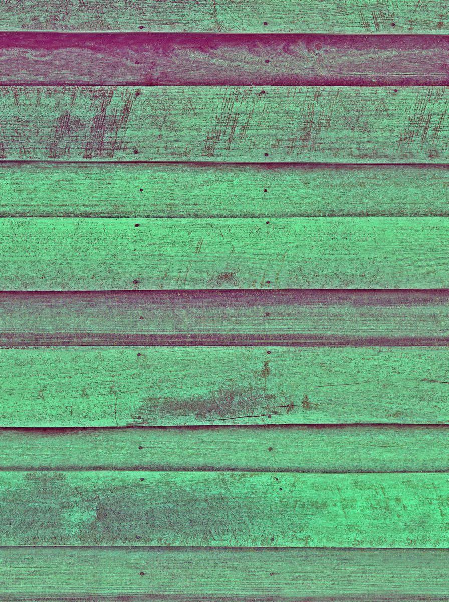 Фотофон безбликовый ART, профессиональный, 75 х 50 см. Ф2063Ф2063Моющиеся безбликовые профессиональные фотофоны ART чаще всего используются фотографами для постановочных съемок (в том числе при съемке детей, животных, различного вида блюд и разнообразных товаров для интеренет-магазинов). Помогают быстро сменить декорации, экономят время на поиски необходимых мест для съемок.Однако применение данных фотофонов не может ограничиваться только задействованием их в процессе съемки. Любой, кто занимается созданием декоративно-прикладных вещей различного рода может взять на заметку и найти применение данному продукту. Главное ваша фантазия и умелые руки.Его также можно использовать и в качестве защитного покрытия на письменный стол ученика. Его технические характеристики настолько впечатляют, что родители найдут в данном изделии хорошее сочетание цены и качества. Все фотофоны ART изготовлены по запатентованной технологии, которая обеспечивает: - отсутствие бликов - независимо от типа света; - гипоаллергенность - состав изделия не вызывает аллергических реакций; - износоустойчивость - жир не впитывается в структуру изделия, легко смывается любым моющим средством, не оставляя жирных пятен, мусор не задерживается, благодаря гладкой с особым покрытием поверхности, не боится декоративных лаков, так как их можно смыть ацетоном, не повредив поверхность изделия.Уважаемые клиенты!Фотофон не имеет устойчивой конструкции и нуждается в специальном приспособлении для установки, которое приобретается отдельно.