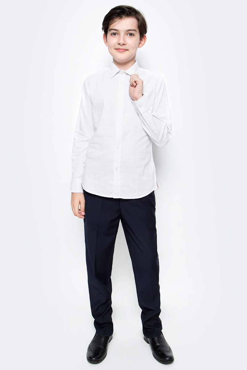 Рубашка для мальчика Vitacci, цвет: белый. 1172101-01. Размер 1521172101-01Оригинальная рубашка для мальчика из высококачественного льна. Возможность корректировать длину рукава позволяет носить данную модель как в жаркий летний день, так и прохладным вечером.