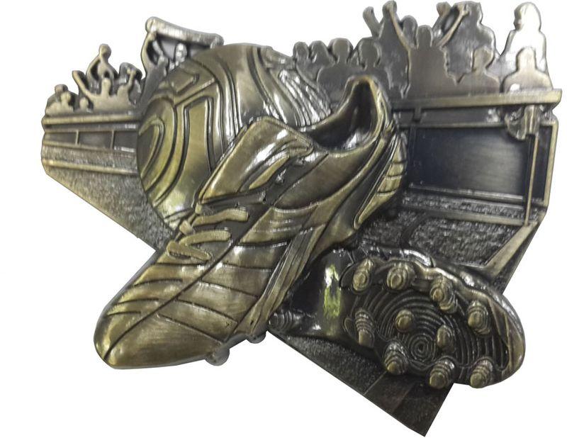 """Наградной магнит """"Футбол"""" - прекрасный сувенир, который не займет много места и будет всегда на виду. Церемония награждения будет  вспоминаться еще долгое время с самыми теплыми чувствами. Магнит изготовлен из металла и пластика. Размер: 9 х 9 см."""
