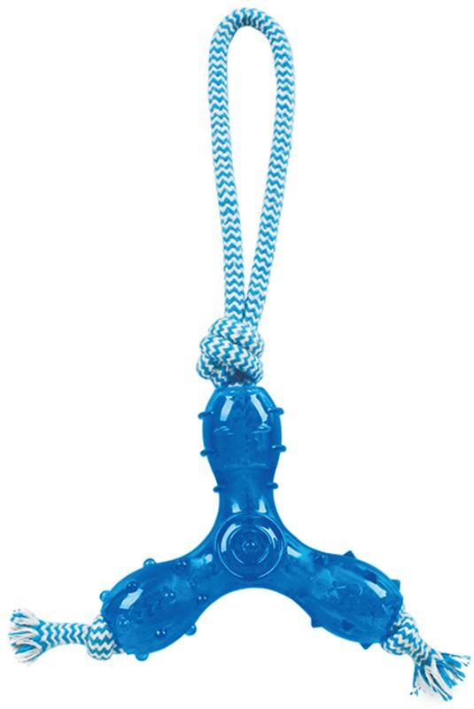 Игрушка для собак Грызлик Ам Треугольник с веревкой. Durable Rope Silent, цвет: голубой, длина 27 см30.GR.029Игрушка Грызлик Ам Треугольник с веревкой. Durable Rope Silent служит для массажа десен и очистки зубов от налета и камня, а также снимает нервное напряжение. Игрушка представляет собой резиновый треугольник с текстильным канатом. Она прочная и может выдержать огромное количество часов игры. Это идеальная замена косточке.Если ваш пес портит мебель, излишне агрессивен, непослушен или страдает излишним весом то, скорее всего, корень всех бед кроется в недостаточной физической и эмоциональной нагрузке. Порадуйте своего питомца прекрасным и качественным подарком.Размер игрушки: 12 х 12 х 3 см. Длина игрушки (с канатом): 27 см.