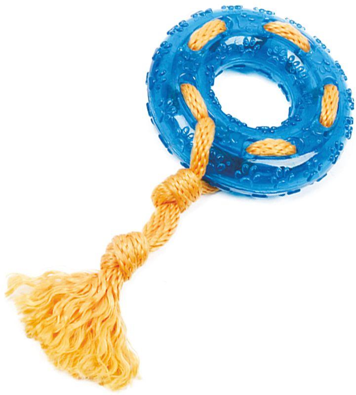 Игрушка для собак Грызлик Ам Кольцо с веревкой. Durable Rope Silent, цвет: голубой, диаметр 24 см30.GR.031Игрушка Грызлик Ам Кольцо с веревкой. Durable Rope Silent служит для массажа десен и очистки зубов от налета и камня, а также снимаетнервное напряжение. Игрушка представляет собой резиновое кольцо с текстильным канатом. Она прочная и может выдержать огромноеколичество часов игры. Это идеальная замена косточке.Если ваш пес портит мебель, излишне агрессивен, непослушен или страдаетизлишним весом то, скорее всего, корень всех бед кроется в недостаточной физической и эмоциональной нагрузке. Порадуйте своегопитомца прекрасным и качественным подарком.Диаметр игрушки: 24 см.