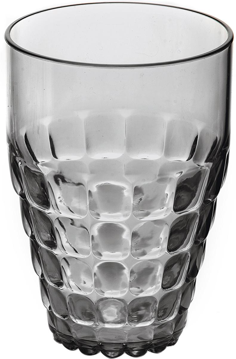 Бокал Guzzini Tiffany, цвет: серый, 510 мл22570192Легкий и яркий дизайн бокала Guzzini Tiffany будто намекает на освежающие лимонады, бодрящие соки и цитрусовые коктейли. Отличается конической формой и прозрачным материалом, который придает бокалу характерный блеск. Сверкающий эффект усиливается на солнечном свету, поэтому бокал станет отличным решением для подачи напитков на свежем воздухе.Бокал идеально подойдет для использования каждый день - добавит яркий акцент пространству кухни или гостиной. Изготовлен из высококачественного полистирола, устойчивого к износу и повреждениям. Не содержит вредных примесей и бисфенола-А.Можно мыть в посудомоечной машине.Диаметр: 9 см.Высота: 13 см.