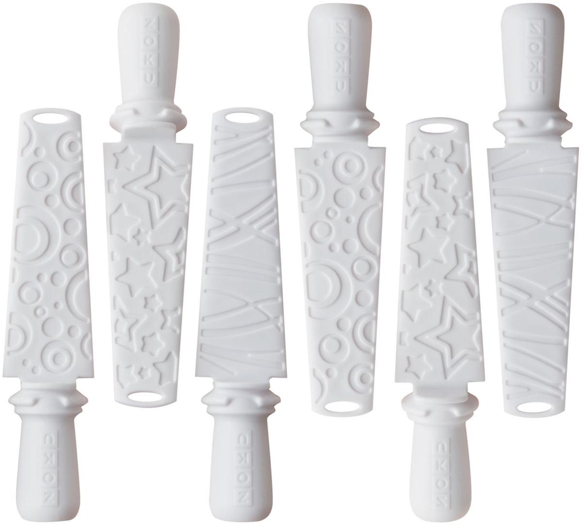 Набор палочек для мороженого Zoku Pop Sticks, цвет: белый, 6 штZK102Набор Quick Pop Maker Sticks – это 6 многоразовых палочек для мороженого, при помощи которых можно приготовить вкусные домашние десерты на целую компанию. Они изготовлены из прочного пищевого пластика, за счет чего хорошо переносят воздействие низких температур. Благодаря специальным щиткам подтаявший сок не попадет на стол и одежду – он будет аккуратно собираться в небольших углублениях. Палочки подходят для следующих моделей форм: Triple Quick Pop Maker, Duo Quick Pop Maker и Single Quick Pop Maker.Не содержит вредных примесей и бисфенола-А. Моется вручную.