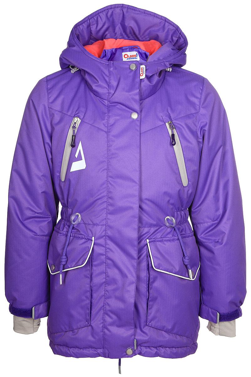 Куртка для девочки Oldos Active Киара, цвет: сиреневый. 1A7JK00. Размер 140, 10 лет1A7JK00Практичная и технологичная зимняя куртка-парка для девочки. Внешнее покрытие TEFLON - защита от воды и грязи, износостойкость, за изделием легко ухаживать. Мембрана 5000/5000 обеспечивает водонепроницаемость, одежда дышит. Гипоаллергенный утеплитель HOLLOFAN PRO 200 г/м2 - тоньше обычного, но эффективнее удерживает тепло и дарит свободу движения. Подкладка - флис, в рукавах гладкий полиэстер. Карманы на молнии, внутренний карман с нашивкой-потеряшкой. Парка имеет светоотражающие элементы. Изделие прекрасно защитит от ветра и снега, т.к. имеет ряд особенностей: капюшон с регулировкой объема, ветрозащитные планки, снего-ветрозащитная юбка. Манжеты рукавов регулируются по ширине, есть эластичные манжеты с отверстием для большого пальца. Талия и низ куртки регулируются по ширине. Рекомендовано от минус 30°С до плюс 5°С.
