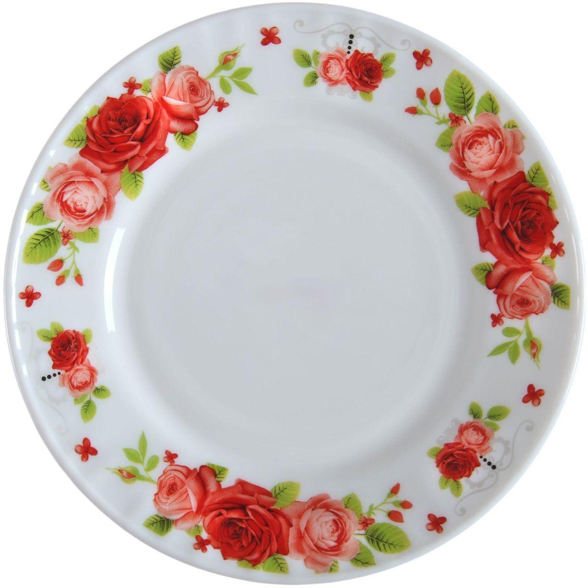 Тарелка Поэзия роз, диаметр 23 см1152133Тарелка – важнейший предмет любого застолья. Будучи во главе стола, она привлекает к себе основное внимание. А это значит – рисунок, цвет и материал играют немаловажную роль.Почему во всем мире так ценится посуда из стеклокермики?Универсальна. Ее можно использовать и для приготовления пищи, и для безопасного хранения любых готовых блюд. В такой посуде можно кипятить, варить, жарить парить, тушить и запекать любые продукты.Ударопрочна и травмобезопасна. Термическое стекло – очень прочный материал, который не поддается механическим нагрузкам, не бьется, не колется и не трескается.Термически устойчива (жаропрочна). Посуда не деформируется при нагреве и подходит для СВЧ-печей.Химически инертна. Стеклянные поверхности посуды совершенно нечувствительны к воздействию моющих и чистящих средств.Экологически и гигиенически безопасна. Стеклокерамика – исключительно «чистый» материал, не выделяющий вредных летучих соединений даже при сильном нагреве, не впитывает запахов и не передает их хранящейся или готовящейся пище.Удобна в уходе. Моется обычной теплой водой, не формирует накипь и нагар.Эстетически привлекательна. Прозрачное, матовое и тонированное термическое стекло имеет оригинальный вид, который сохраняется в любых технических условиях на долгие годы.