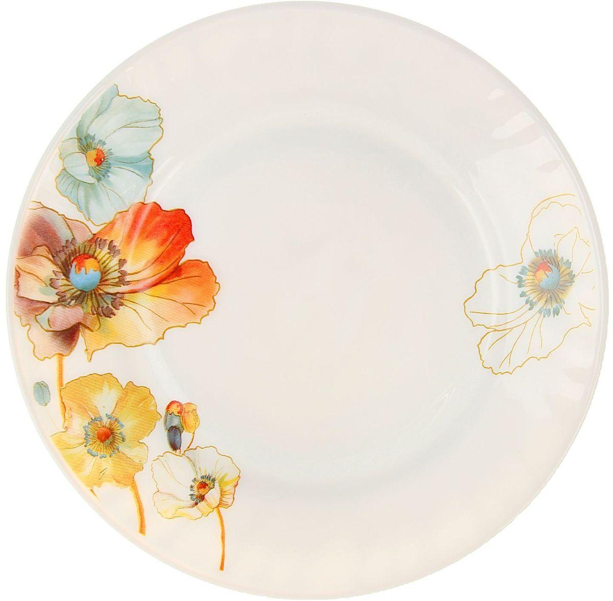 Тарелка – важнейший предмет любого застолья.  Будучи во главе стола, она привлекает к себе основное внимание. А это значит – рисунок, цвет и материал играют немаловажную роль.Почему во всем мире так ценится посуда из стеклокермики? Универсальна. Ее можно использовать и для приготовления пищи, и для безопасного хранения любых готовых блюд. В такой посуде можно кипятить, варить, жарить парить, тушить и запекать любые продукты.Ударопрочна и травмобезопасна. Термическое стекло – очень прочный материал, который не поддается механическим нагрузкам, не бьется, не колется и не трескается.Термически устойчива (жаропрочна). Посуда не деформируется при нагреве и подходит для СВЧ-печей.Химически инертна. Стеклянные поверхности посуды совершенно нечувствительны к воздействию моющих и чистящих средств.Экологически и гигиенически безопасна. Стеклокерамика – исключительно «чистый» материал, не выделяющий вредных летучих соединений даже при сильном нагреве, не впитывает запахов и не передает их хранящейся или готовящейся пище.Удобна в уходе. Моется обычной теплой водой, не формирует накипь и нагар.Эстетически привлекательна. Прозрачное, матовое и тонированное термическое стекло имеет оригинальный вид, который сохраняется в любых технических условиях на долгие годы.