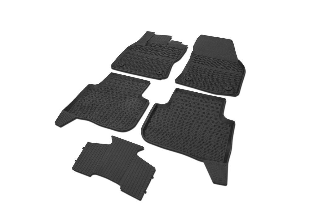 Коврики салона Rival для Volkswagen Tiguan 2017-, c перемычкой, резина65805002Современная версия ковриков Rival для автомобилей, изготовлены из высококачественного и экологичного сырья с использованием технологии высокоточного литья под давлением, полностью повторяют геометрию салона вашего автомобиля.- Усиленная зона подпятника под педалями защищает наиболее подверженную истиранию область.- Надежная система крепления, позволяющая закрепить коврик на штатные элементы фиксации, в результате чего отсутствует эффект скольжения по салону автомобиля.- Высокая стойкость поверхности к стиранию.- Специализированный рисунок и высокий борт, препятствующие распространению грязи и жидкости по поверхности коврика.- Перемычка задних ковриков в комплекте предотвращает загрязнение тоннеля карданного вала.- Коврики произведены из первичных материалов, в результате чего отсутствует неприятный запах в салоне автомобиля.- Высокая эластичность, можно беспрепятственно эксплуатировать при температуре от -45°C до +45°C. Уважаемые клиенты! Обращаем ваше внимание, что коврики имеют форму, соответствующую модели данного автомобиля. Фото служит для визуального восприятия товара.