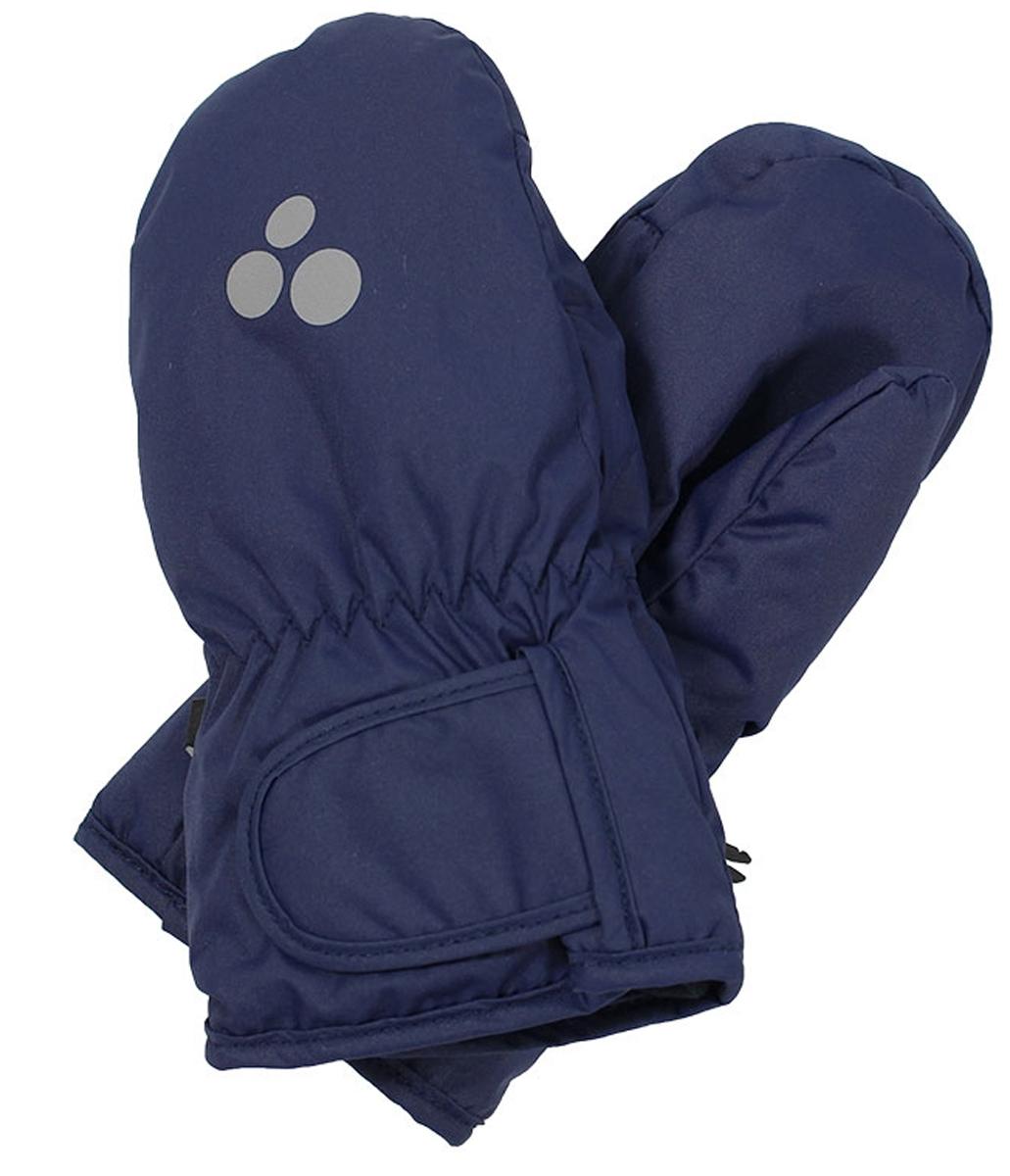 Варежки детские Huppa Liina, цвет: темно-синий. 8104BASE-60086. Размер 28104BASE-60086Детские варежки Huppa Liina, изготовленные из высококачественного полиэстера, станут идеальным вариантом для холодной зимней погоды. Первоклассный мембранный материал и теплая мягкая флисовая подкладка, а также наполнитель из синтепона надежно сохранят тепло и не дадут ручкам вашего малыша замерзнуть.Варежки дополнены удлиненными манжетами, которые помогут предотвратить попадание снега и влаги. На запястьях варежки собраны на эластичные резинки, что обеспечивает комфортную и надежную посадку. Изделие дополнено хлястиками на липучках, которые позволяют регулировать обхват манжет. С внешней стороны варежки оформлены светоотражающим принтом.Теплые, удобные и стильные варежки будут незаменимы для зимних прогулок и надежно защитят ручки малыша от холода и ветра.Водонепроницаемость: 5000 мм. Воздухопроницаемость: 5000 г/м2.
