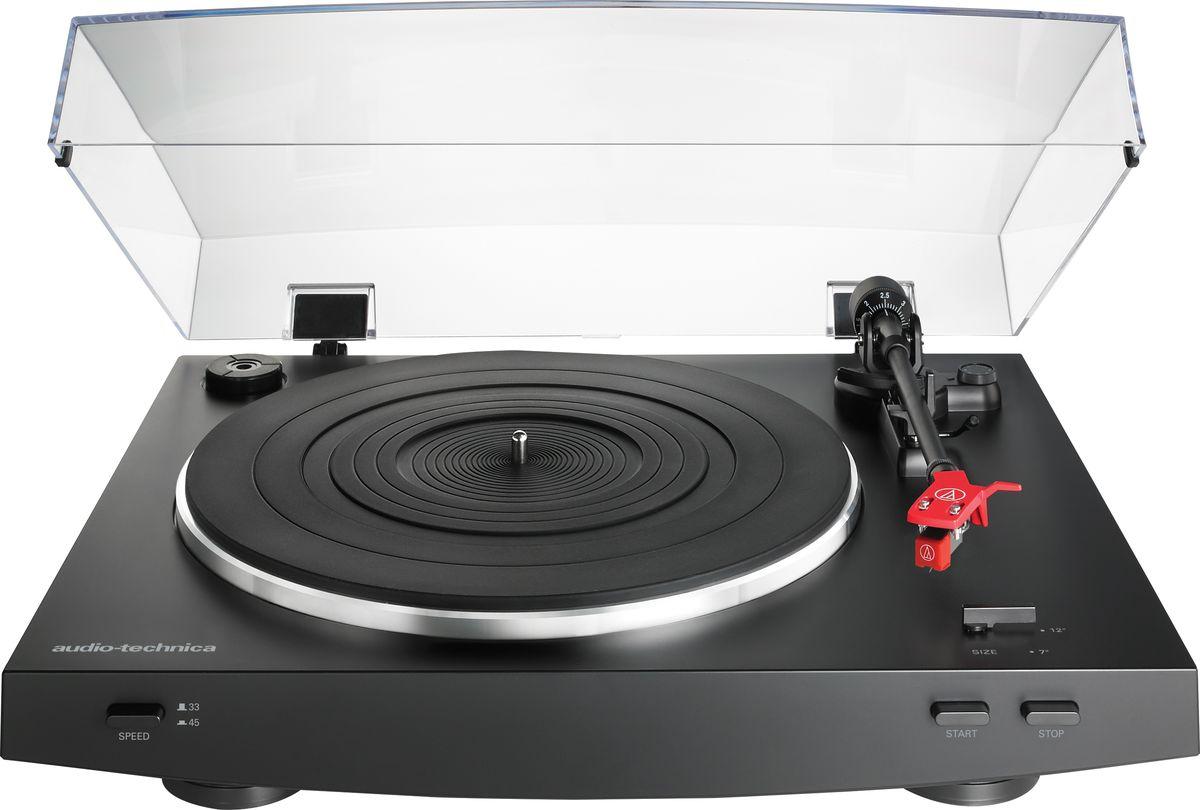 Audio-Technica AT-LP3, Black проигрыватель виниловых дисков15119320LP3 сочетает великолепное аналоговое звучание с продвинутыми функциями, уникальными для полностью автоматических проигрывателей с ременным приводом. Вы можете воспроизводить записи со скоростями 33,3 и 45 об/мин с помощью предустановленного картриджа AT91R с двойным подвижным магнитом или же воспользуйтесь универсальным хэдшеллом, установленным на тонарм (он позволит вам эксперементировать с различными картриджами, будь они с подвижным магнитом или с подвижной катушкой). LP3 также оснащен встроенным фонокорректором и призван явить собой новый уровень удовольствия для многих любителей винила.Полностью автоматический проигрыватель с ременным приводом, две скорости воспроизведения: 33,3 и 45 об/минУравновешенный прямой тонарм с гидравлическим микролифтом и фиксацией в нерабочем положенииВстроенный предусилитель линейного/фоно уровня с присоединенным кабелем RCAПереключение режимов подвижный магнит/подвижная катушкаКартридж AT91R с двойным подвижным магнитом и универсальный хэдшелл AT-HS3 в комплектеАнтирезонансный, литой алюминиевый диск с резиновым матом толщиной 4,5 ммЗадемпфированная конструкция стола, снижающая окраску в низкочастотном диапазонеСкорости воспроизведения^ 33 1/3, 45 об/минСоотношение сигнал/шум^ (>) 50 дБУровень выходного сигнала Phono: 1,5 - 3,6 мВLine: 129 - 313 мВPhono Pre-Amp: 36 дБМотор DC с сервоуправлением