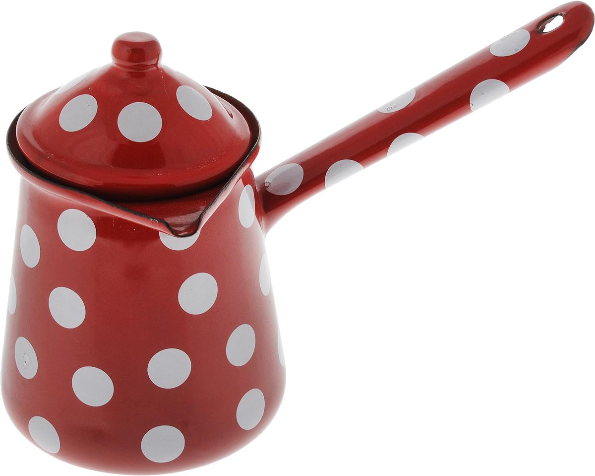 """Турка """"Calve"""", изготовленная из высококачественной стали с эмалированным покрытием, предназначена для приготовления кофе. Внешние стенки турки оформлены изящным принтом в горошек. Изделие имеет широкое горлышко, специальный носик и крышку. Рукоятка снабжена отверстием, благодаря которому изделие можно подвесить на крючок.  Кофе в турке варится очень просто. Насыпьте молотый кофе, залейте водой и варите на слабом огне, не доводя до кипения. Чем дольше кофе варить, тем крепче он становится.  Подходит для всех видов плит, включая индукционные. Диаметр турки (по верхнему краю): 9 см.  Длина ручки: 14,5 см. Высота стенки: 12 см."""