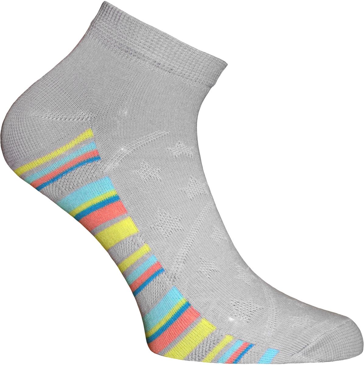 Носки женские Master Socks, цвет: светло-серый. 55910. Размер 2555910Удобные носки Master Socks, изготовленные из высококачественного комбинированного материала с хлопковой основой, очень мягкие и приятные на ощупь, позволяют коже дышать.Эластичная резинка плотно облегает ногу, не сдавливая ее, обеспечивая комфорт и удобство. Носки с укороченным паголенком оформлены принтом в полоску. Практичные и комфортные носки великолепно подойдут к любой вашей обуви.