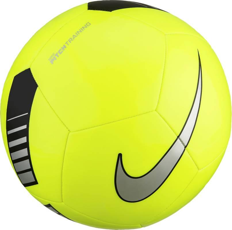 Мяч футбольный Nike Pitch Training Football, цвет: желтый. Размер 5SC3101-702Футбольный мяч Nike Pitch с высококонтрастной графикой хорошо заметен во время игры и тренировок. Прочная упругая конструкция из 12панелей обеспечивает точную траекторию полета мяча. Яркая графика упрощает слежение за траекторией полета мяча. Прочная и гладкая покрышка для длительной игры. Равномерное распределение нагрузки по 12 панелям. Резиновая камера лучше удерживает воздух и сохраняет форму продления срока службы мяча.