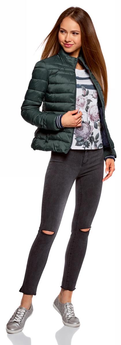 Куртка женская oodji Ultra, цвет: темно-изумрудный. 10204056/47172/6E00N. Размер 40-170 (46-170)10204056/47172/6E00NЖенская куртка oodji c длинными рукавами выполнена из прочного полиамида. Модель застегивается на застежку-молнию.
