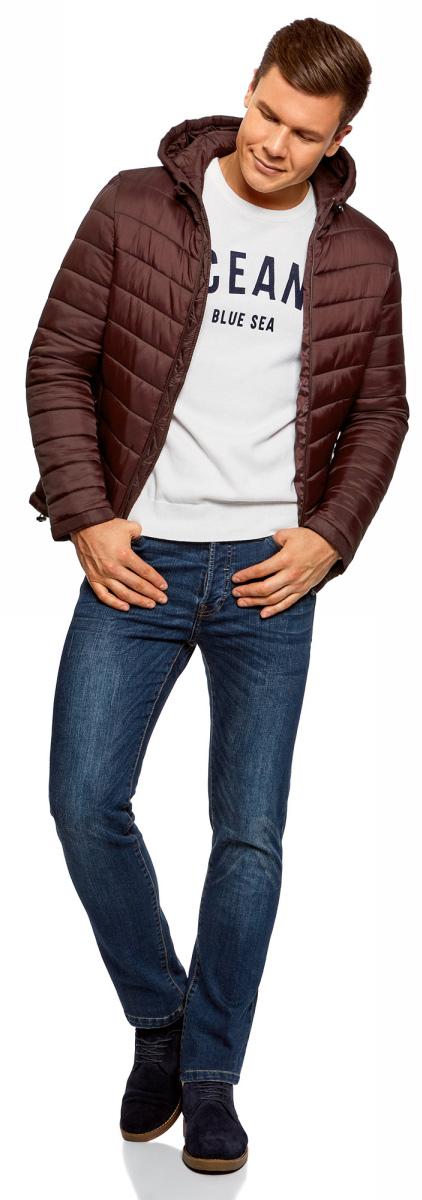 Куртка мужская oodji Basic, цвет: бордовый. 1B112001M/25278N/4900N. Размер L-182 (52/54-182)1B112001M/25278N/4900NУтепленная куртка с капюшоном oodji Basic выполнена из мягкой плащевой ткани. По бокам расположены прорезные карманы. Куртка застегивается на молнию. Свободный крой и длина до бедер подойдут мужчинам любого телосложения. Куртка идеально сочетается с джинсами, джемпером и грубыми ботинками на шнуровке. Из аксессуаров можно подобрать рюкзак и тонкую трикотажную шапку. Куртку можно носить на рубашки или свитшоты. Надев к куртке трикотажные спортивные брюки, вы создадите комфортный образ в спортивном стиле. Из обуви подойдут кроссовки или кеды. В утепленной куртке будет комфортно в холодную погоду. С ней вы составите множество стильных повседневных образов.