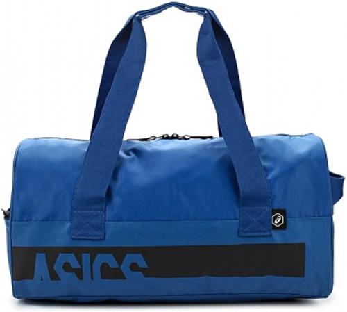 Сумка спортивная Asics Training Gymbag, цвет: синий, 45 л146813-0844Спортивная форма, снаряжение и все, что может потребоваться на тренировке или матче, поместится в одной сумке. Объем основного отделения составляет 45 литров. Сумка выполнена из долговечного и не пропускающего влагу материала, так что ее можно спокойно оставить даже на мокром поле.