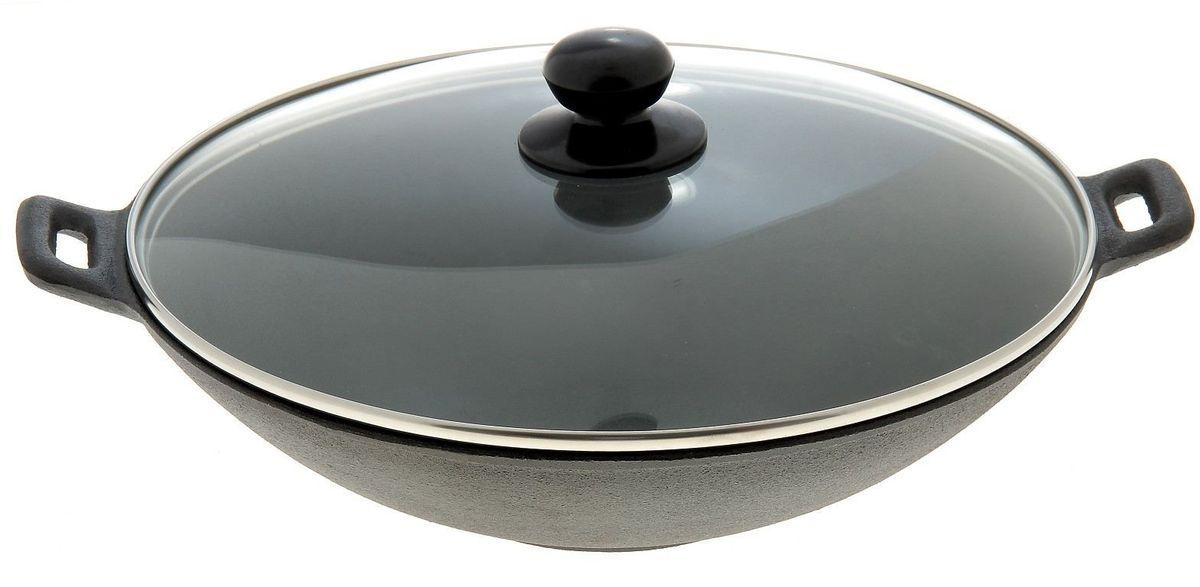 Сковорода-вок Доляна Восток с крышкой. Диаметр 30 см755150Сковорода чугунная изготавливается из натурального материала без лишних химических соединений. При нагревании не выделяет никаких токсичных веществ. Такая посуда одинаково пригодна для использования на любой плите и в духовке (при условии отсутствия деревянных ручек).Как известно, пористый чугун нагревается достаточно медленно, но исключительно равномерно и долгое время сохраняет тепло. Массивные изделия замечательно подходят для блюд, требующих длительной термической обработки и эффекта «томления».Предлагаемые модели обладают феноменальной износостойкостью: не деформируются и не царапаются в ходе длительной эксплуатации.При первом использовании:хорошо промыть посуду и тщательно высушить;смазать чистую сухую посуду растительным маслом;прокалить вверх дном в духовке 1-2 часа при температуре около + 200 градусов Цельсия.Чугунная посуда термостойкая и не боится перекаливания, не деформируется со временем, при длительном использовании чугун постепенно пропитывается маслом и приобретает полезные качества: на внутренней поверхности изделия образуется естественный антипригарный слой (эффект «бабушкиной сковородки»).Существует ряд общих правил по уходу за «вечной» посудой.При чистке чугунной посуды не используйте жёстких щеток и абразивных моющих средств, иначе «антипригарное» масляное покрытие исчезнет.Мыть чугунную утварь необходимо горячей водой при помощи мягкой губки (не использовать скрабер).Если посуда сильно загрязнена, при мытье и чистке можно использовать обычную пищевую соду.Обязательно протирайте посуду насухо после каждого мытья.Загружать чугун в посудомоечную машину не рекомендуется.При правильном уходе чугунная посуда может сохраняться и активно использоваться десятилетиями, не теряя своих уникальных качеств.