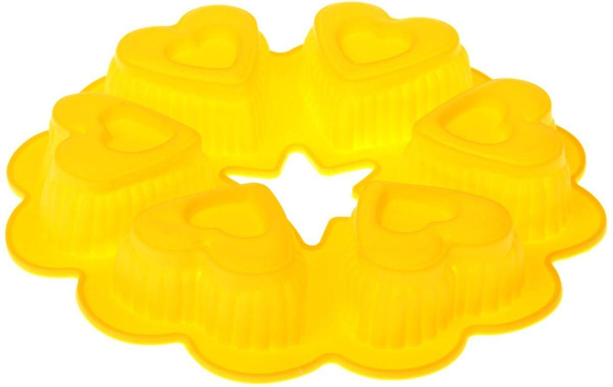 Форма для выпечки Доляна Двойные сердечки, 25 х 4,5 см, 6 ячеек549334Форма для выпечки из силикона — современное решение для практичных и радушных хозяек. Оригинальный предмет позволяет готовить в духовке любимые блюда из мяса, рыбы, птицы и овощей, а также вкуснейшую выпечку.Почему это изделие должно быть на кухне?блюдо сохраняет нужную форму и легко отделяется от стенок после приготовления;высокая термостойкость (от –40 до 230 ?) позволяет применять форму в духовых шкафах и морозильных камерах;небольшая масса делает эксплуатацию предмета простой даже для хрупкой женщины;силикон пригоден для посудомоечных машин;высокопрочный материал делает форму долговечным инструментом;при хранении предмет занимает мало места.Советы по использованию формыПеред первым применением промойте предмет тёплой водой.В процессе приготовления используйте кухонный инструмент из дерева, пластика или силикона.Перед извлечением блюда из силиконовой формы дайте ему немного остыть, осторожно отогните края предмета.Готовьте с удовольствием!