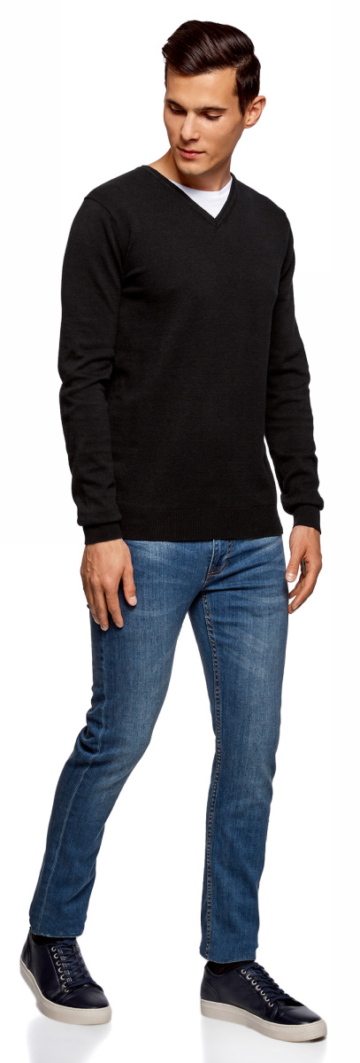 Пуловер мужской oodji Basic, цвет: черный. 4B212003M-1/21702N/2900N. Размер M (50)4B212003M-1/21702N/2900NБазовый пуловер от oodji выполнен из натурального хлопка. Комбинированная модель с длинными рукавами и V- образным вырезом горловины.