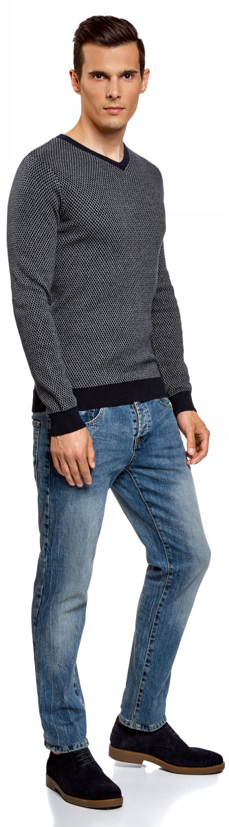 Пуловер мужской oodji Lab, цвет: серый, темно-синий. 4L212154M/21702N/2379G. Размер XL (56)4L212154M/21702N/2379GВязаный пуловер от oodji с контрастно отделкой выполнен из натурального хлопка. Модель с длинными рукавами и V- образным вырезом горловины.