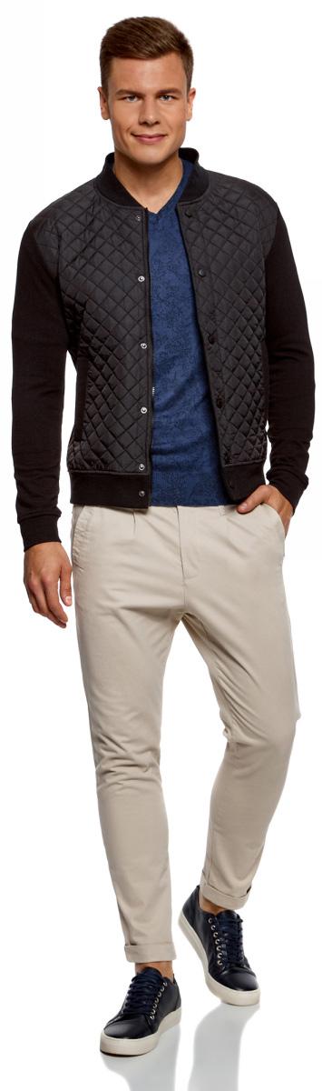 Пуловер мужской oodji Lab, цвет: синий, черный. 4L212151M/44326N/7529F. Размер L (52/54)4L212151M/44326N/7529FВязаный пуловер от oodji выполнен из хлопкового материала с принтом. Модель с длинными рукавами и V- образным вырезом горловины.